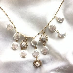 NEW‼️Charming Charlie gold and ivory necklace